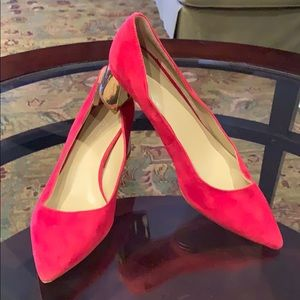 Ann Taylor Red suede shoe with gold heel
